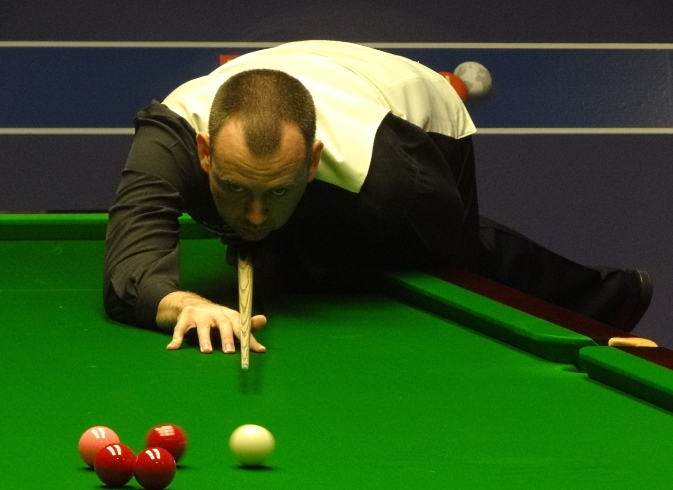 Mark Williams Under Body Shot Snooker 2012