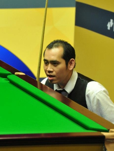 World Championship - Dechawat douses Maguire on debut