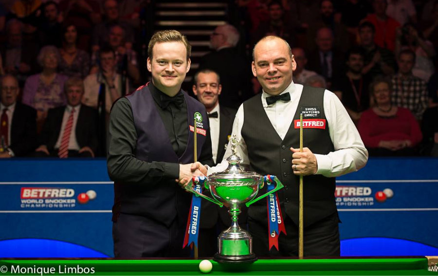 Shaun Murphy Stuart Bingham World Snooker Championship Final 2015 Trophy