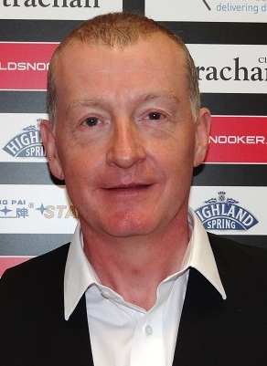 Steve Davis falls off the pro tour
